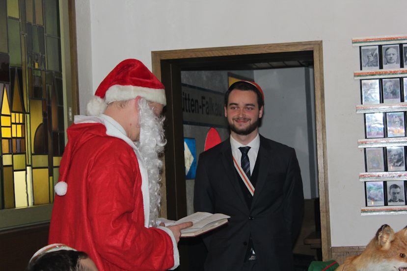 Nikolaus_17_Nikolaus_Geschenk2